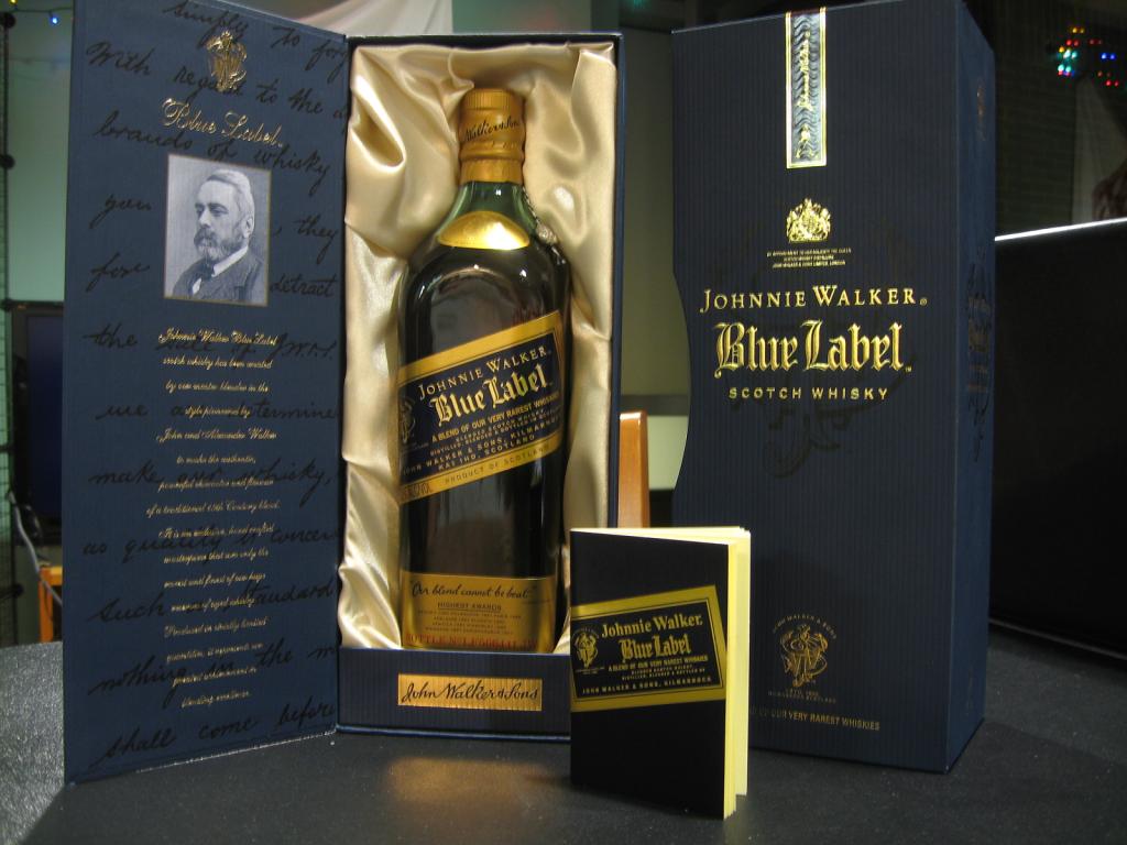 johnnie walker blue label scotch 750ml honest booze reviews. Black Bedroom Furniture Sets. Home Design Ideas